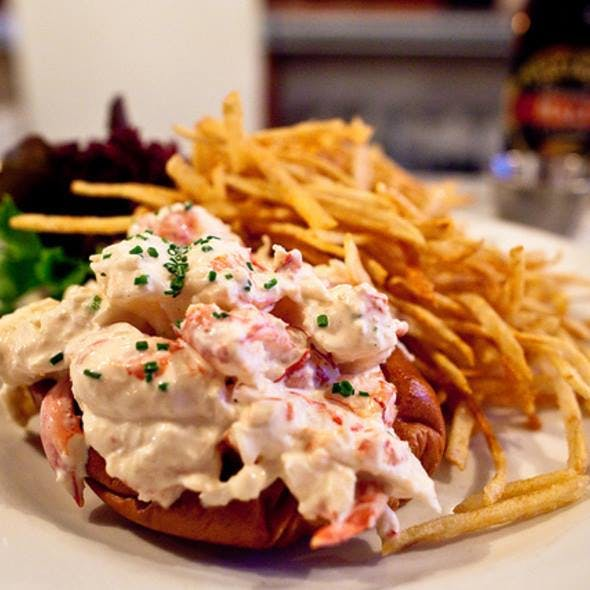 5 Fabulous Spots in NYC for Lobster Rolls