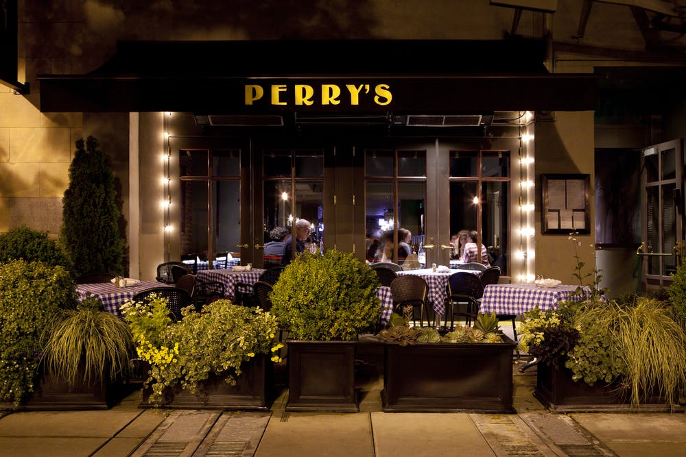perrys outdoor patio at embarcadero