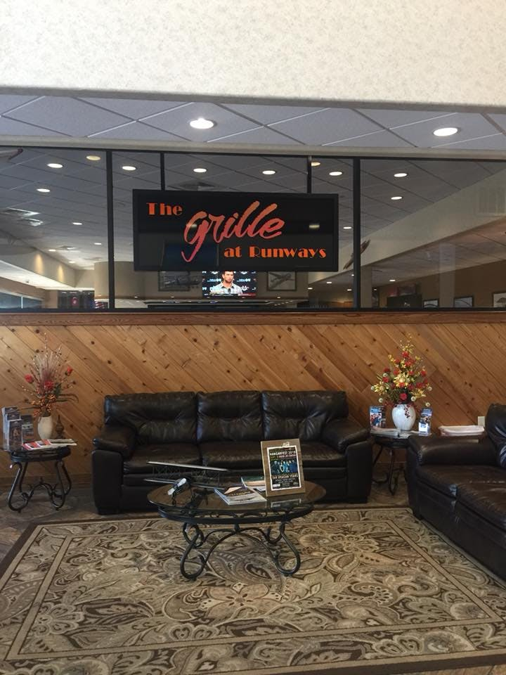 The Grille at Runways lounge area
