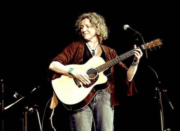 Lynn Hollyfield Performance