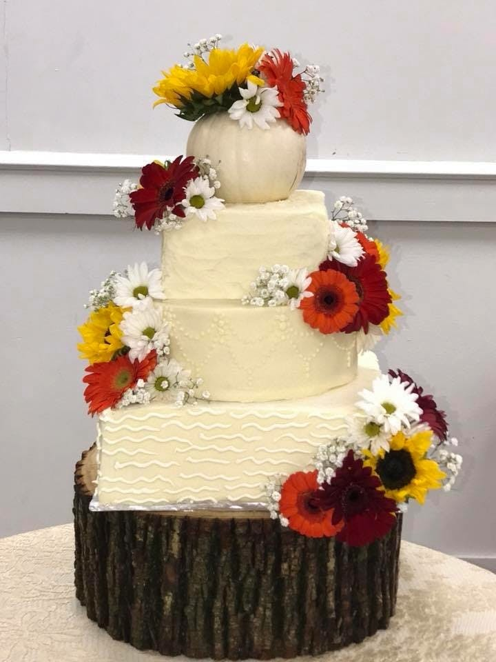 Wedding Cakes | Main Street Café & Bakery